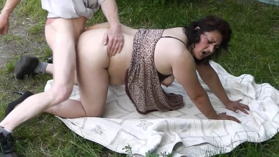 Fat Gypsy MILF amateur