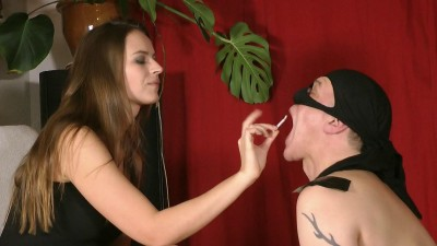 Goddess Leyla - Sweat Smelling Foot Servant