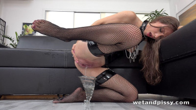 Description Stefany - Pvc and Chains - FullHD 1080p