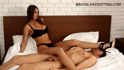 Brutal Facesitting - Alexa Adams