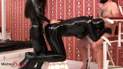 Rubberdoll is Assfucked