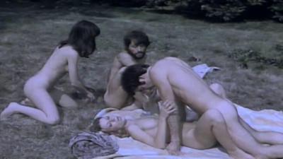 Description Les Obsedees(1977)- Dawn Cummings, Martine Grimaud
