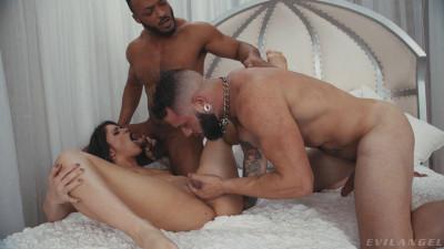 Victoria Voxxx, Johnny Hill, Dillon Diaz