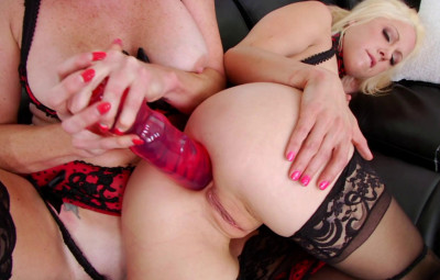 Holly Hanna & Audrey Hollander Assfuck Each Other With Huge Dildos