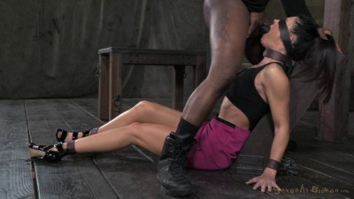 India Summer takes on 2 guys, Extreem deepthroating (2014)