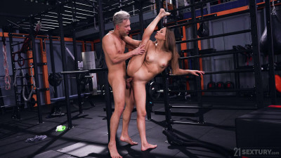 Mia Split – Sexy Workout Session