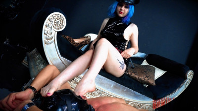 Domina Planet Foot Swallowing