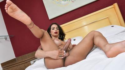 Latina Hot Babe Rosy Pinheiro!