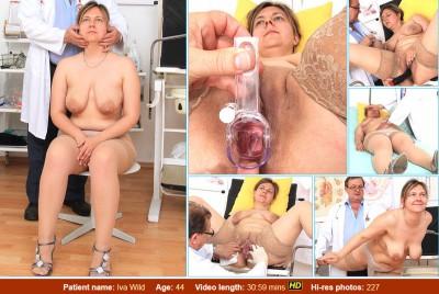 Description Iva Wild (44 years woman gyno exam)