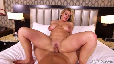 Big nNatural Tits Blonde Beauty Meegan