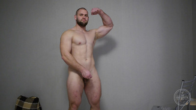 TheGuySite – Big Naked Man From Russia