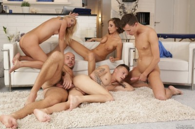 Description Sweet Cat, Nicole Vice, Mark Black, Paul Fresh, Jace Reed( Want to try a Bi Orgy?)