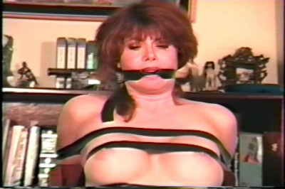 Description Tori Sinclair classic bondage