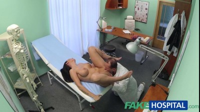 Patient seduces doctor to cover her medical bills (Zuzana Navratilova)