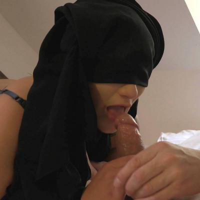 Description Nicolette Noir - Fuck my muslim pussy FullHD 1080p