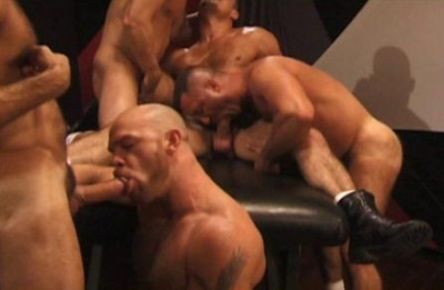 Hairy Boyz In Raw Gangbang