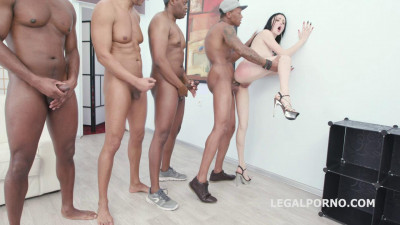 Kiara Gold Gets 5 BBC