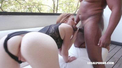 Linda Sweet is coming to enjoy kinky sex with black cocks