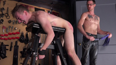 Gay BDSM Total Submission