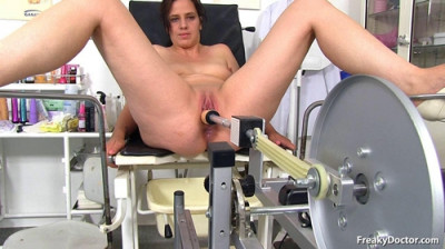 Alicia (27 years girls gyno exam)