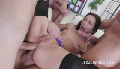 Sexy Valentina Bianco In Brutal Double Anal Orgy