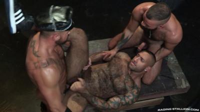 Daymin Voss, Fernando Del Rio, Michael Roman