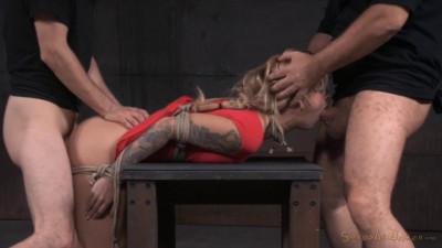 Tattooed alt slut Kleio Valentien tied up and passed around