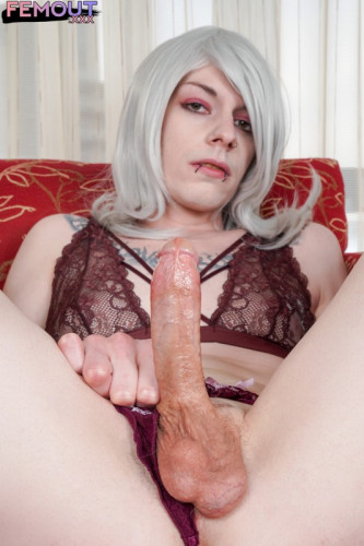 Elowyn Rose Cums For You!