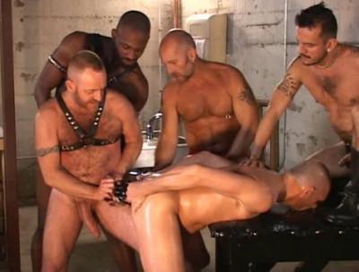 Deep Orgies With Hard Fisting