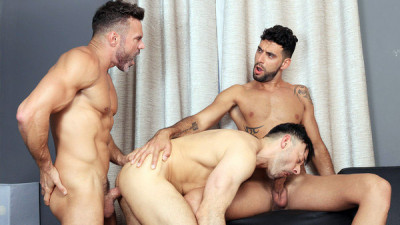 Hot 3some Leonardo, Mick Stallone & Manuel Skye (1080p)