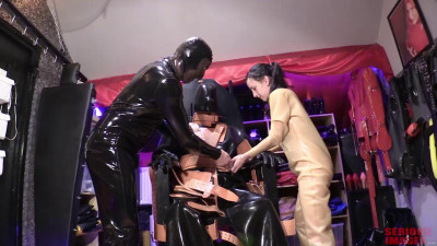 Rubberstel Rubber Couple Elise Graves And Petgirl Kako – Scene 1 – HD 720p