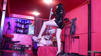 Description Mistress Iside - Foot Gagging Shock - Full HD 1080p