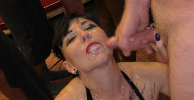 Sexy Cleo Gets A Face Full Of Cum