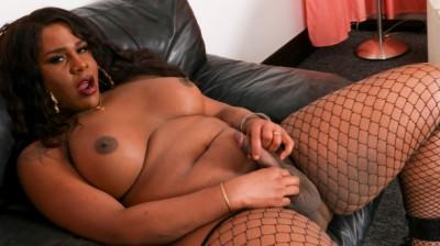 Karla body looking fine!