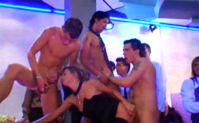 Description Bi Sex Party 1 - Airport Extrem