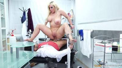 Blondie Fesser at Doctor Nick s office