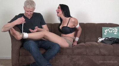 Raven Eve – I Bet I Can Get Out of That