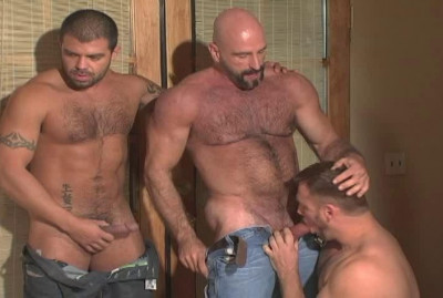Muscle Bears Loves Rough Anal