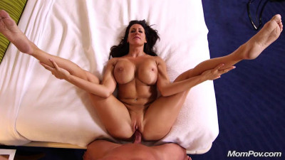 Beautiful Busty Swinger Webcam MILF