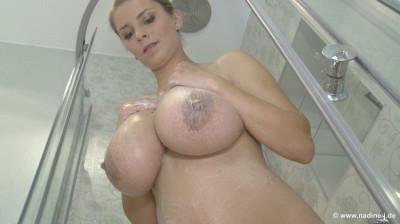 Katarina: preggo bath