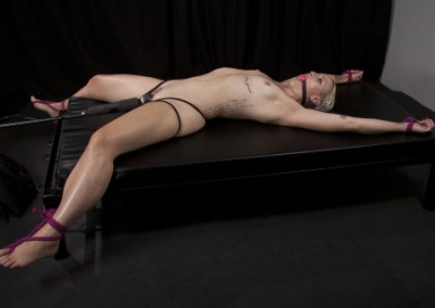 Dylan Ryan - Sexy Spread Eagle Submission - Full HD 1080p