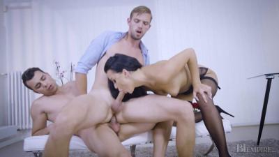 Daphne Kyle & Rami Mikki & Nick Vargas(Work Break