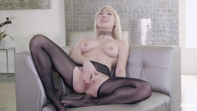 Lily Labeau – Frisky and Fabulous