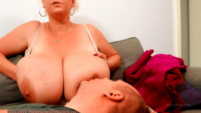 Huge breast emilia gives her enormous titties to suck