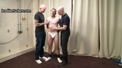 Gareth – Nipples clamped Foreskin clamped