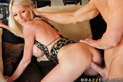 Seductive Blonde Lady Has To Plan His Party