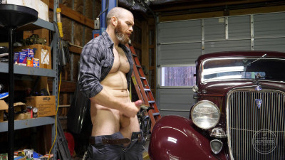 The Guy Site – Nicely Bearded