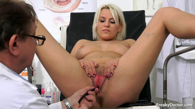 Old doctor performs vagina enema on blonde Sina