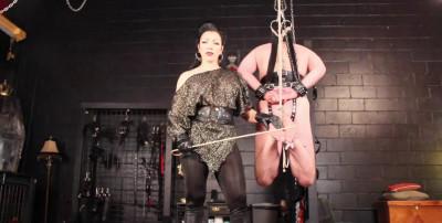 Goddess Cheyenne - Bastinado Suspension