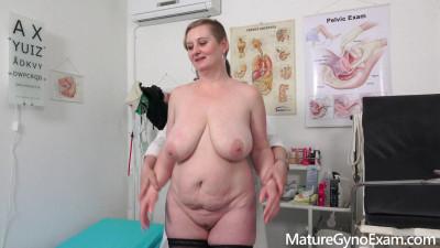 Samantha Si Mature Gyno Exam